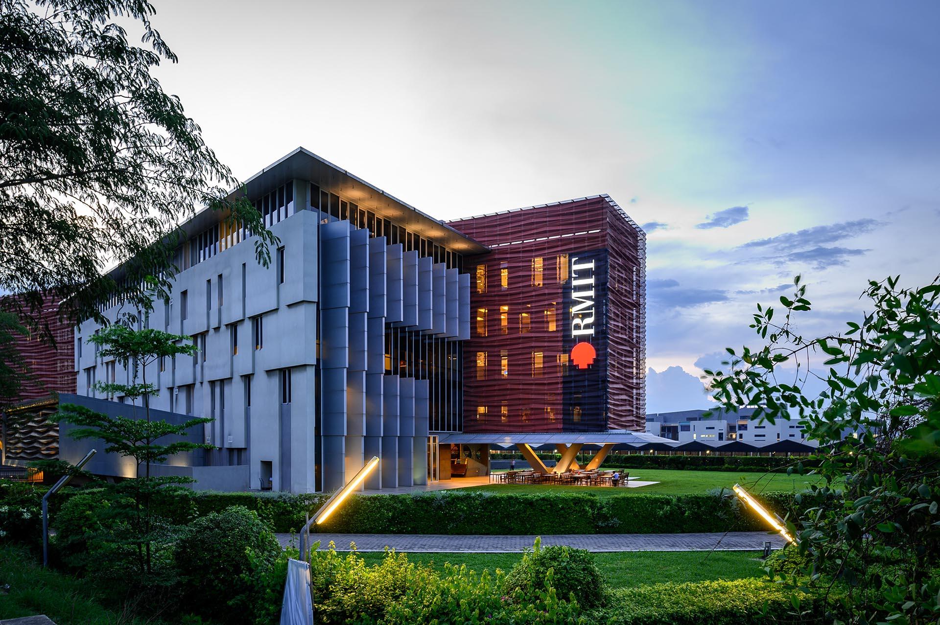 RMIT Việt Nam tuyển dụng Vị trí IT Customer Services Officer